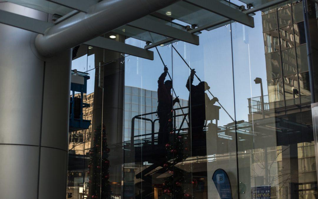 Le lavage de vitres : combien ça coûte (Prix) ?